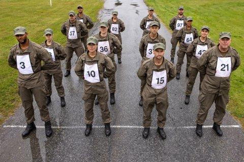 Her alle 14 deltakerne som er klare til den neste utgaven av Kompani Lauritzen. Foto: Matti Bernitz
