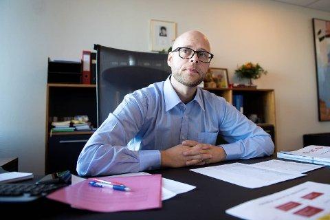 Skole, barnehage og idrettsbyråd,  Pål Hafstad Thorsen på kontoret.