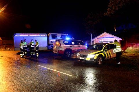 Store mannskaper rykket ut da det ble meldt om båt i fyll fyr utenfor Holsnøy sent onsdag kveld.