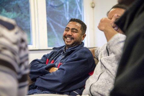 – Vi føler oss trygge her i Norge, og det er jeg veldig takknemlig for. Men jeg har lyst til å jobbe og bli integrert i det norske samfunnet. Det er frustrerende da vi ikke har noe å fylle hverdagene våre med. Det er ikke noe godt liv. Mitt høyeste ønske er å få oppholdstillatelse i Norge, sier Mahfouz (37).