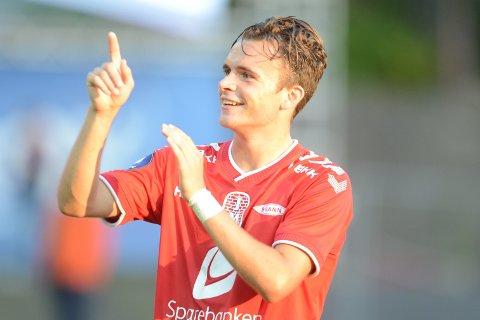 Andreas Vindheim (19) kan gå fra 1. divisjon til Mesterligaen. – Det er klart at det frister, innrømmer han. FOTO: ANDERS KJØLEN