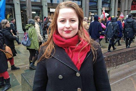 Hanne Bolstad (19) fikk stor applaus etter at hun i sin appell tok et kraftig oppgjør med skjønnhetstyranniet og streben etter den perfekte kroppen.