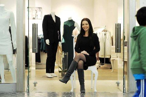 Designer Kathrine Nørgård fra Bergen kunne denne uken åpne butikk med egen design på Aker Brygge i Oslo.