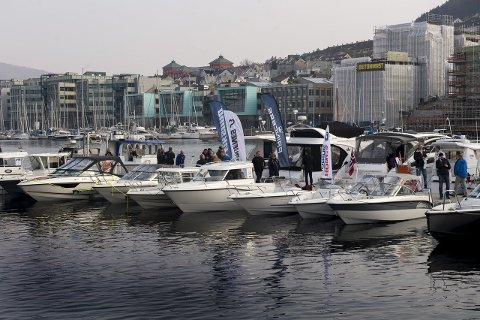 Båtmesse: Båtprodusenter og forhandlere viste frem båter i Bergen på Dra Til Sjøs 2015. Årets båtmesse har rundt 90 båter på sjøen og byr på maritime opplevelser for hele familien.foto: Rune johansen