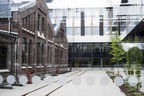 Kombinasjon: Det nye bygget til Høgskolen i Bergen kombinerer nytt og gammelt.FOTO: RUNE JOHANSEN