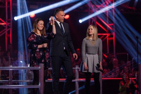 Yvonne Nordvik Sivertsen (t.v.) var tydelig lettet da avgjørelsen om at hun gikk videre falt. FOTO: TV2