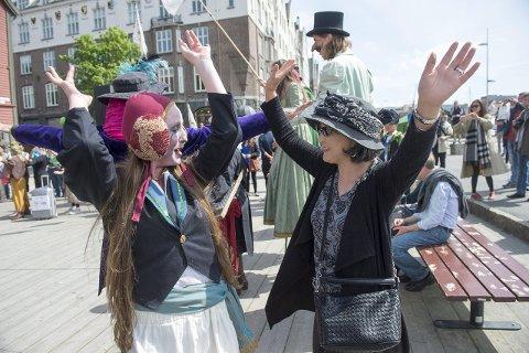 Bergen Byspill begeistret både unge og voksne.