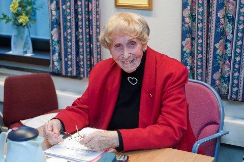 Helga Sellevold kjempet for de eldre og var ofte synlig i politiske debatter.