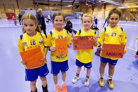 Tora Sigrid, Celine, Emilie og Sofie gir mobbing rødt kort.