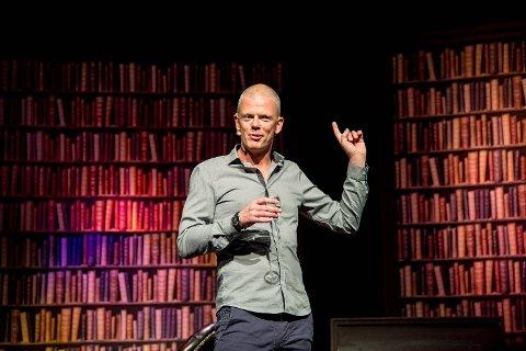 Are Kalvø hadde lørdag bergenspremier på sitt show «KALVØ – ein time av livet ditt du aldri får tilbake».