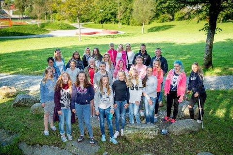 Barn og voksne med tilknytning til Olsvik skole engasjerer seg i mobbesaken.