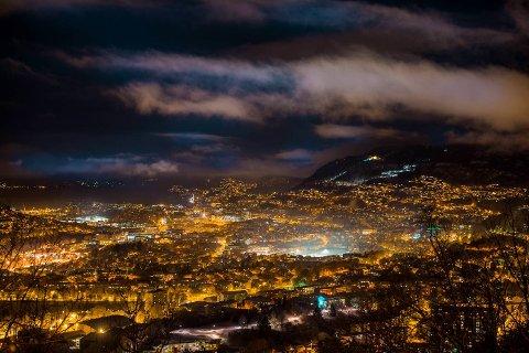 Bergen flommer over av tilbud fra eskortepiker som annonserer sine tjenester p? internett.