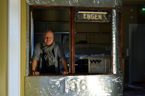 Thorleif Hønsi solgte seg i fjor ut av Ricks og Utsikten Restaurantdrift. Nå blir han daglig leder i Gode Naust AS som etablerer puben Trikken 106 Kafé og Bar.