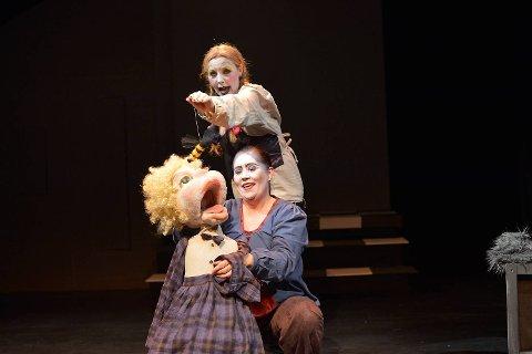 «De grusomme barna» hadde premiere på Cornerteateret lørdag kveld.