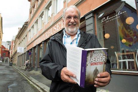 Jørgen Jæger tjener stadig mer penger på forfatterskapet sitt.