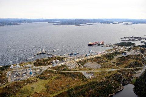 Stureterminalen i Øygarden er et utskipingshavn for råolje, og Statoil er hovedoperatør. Også Petoro AS, ConocoPhillips, ExxonMobil og Total deltar. (Foto: Øyvind Hagen/Statoil)