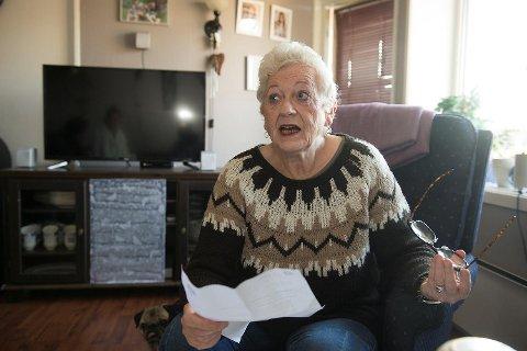 Åse Karin Nordstrand (62) er livredd for å gå i postkassen, etter at merkelige brev og en regning har dukket opp. Minstepensjonisten mistenker at noen har fått tak i hennes personlige opplysninger, som for eksempel personnummer, og at dette nå blir misbrukt.