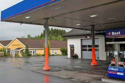 Det var her på Best-bensinstasjonen på Bjørkheim i Samnanger tabben skjedde. (Foto: ARNE RISTESUND)