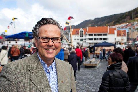 Reiselivsdirektør i Bergen, Ole Warberg, forteller at de har styrket den digitale satsingen de siste par årene.
