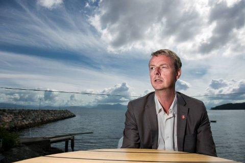 Terje Søviknes (Frp) er rasende på leder i Venstre, Trine Skei Grande.