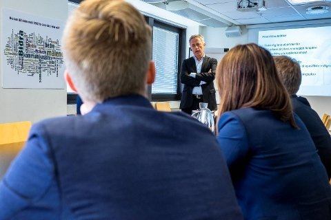 Are Stokstad, konsernsjef. i Amedia avbildet da han presenterte konsernets resultater fra 2. kvartal i 2015.