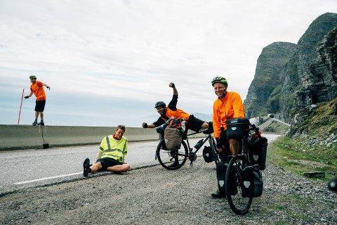 Kieran Kolle syklet 3.000 kilometer med kompisene Frikk Kvamme, Alexander Benjamin og Even Nord Rydningen i fjor sommer.