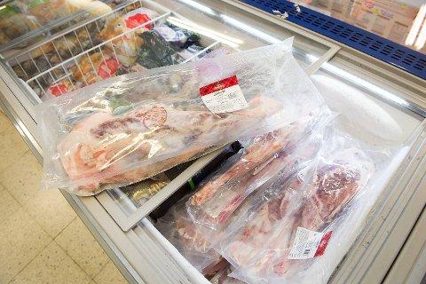 Lammelår er blant varene butikkene dumper prisen på før påske.
