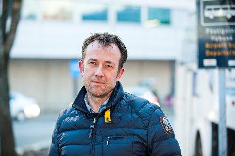 Konsernsjef Roger Harkestad i Tide ASA ser frem til å tilby innbyggerne i Sogn selskapets reiseopplevelser.