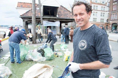 Australske Anthony Hill startet den årlige ryddedagen i 2010.