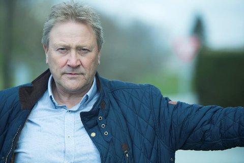 Fungerende ordfører i Sund, Nils Kåre Skoge, forteller om en kommune i sorg.