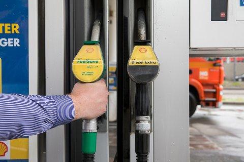 Blir det sjåførstreik, kan det bli bensinmangel i Sør-Norge og melkemangel i nord.