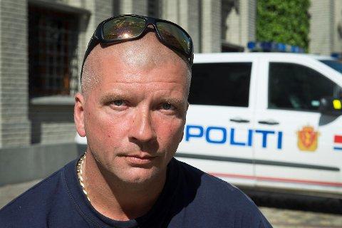 Carl Bagge ble nektet å fly fra Warszawa. Han fikk beskjed om at han var full.