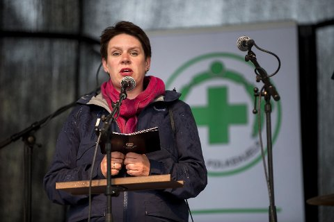 Ordfører Marte Mjøs Persen (Ap) holdt en rørende appell.