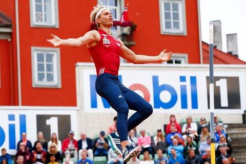 Eirik Dolve er klar for EM i friidrett etter et stavsprang på 5,66 meter under et internasjonalt stevne i Praha. Her er bergenseren i aksjon under årets Bislett Games