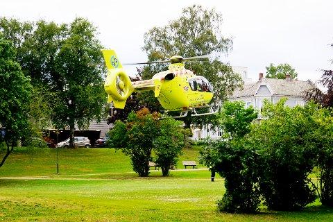 Helikopter fra Norsk Luftambulanse utenfor Fredrikstad sykehus. Foto: Johnny Larsen / NTB scanpix