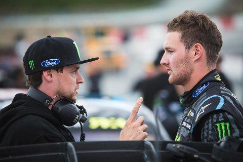 Andreas Bakkerud (t.h.) fikk en marerittstart på VM-runden i rallycross lørdag.