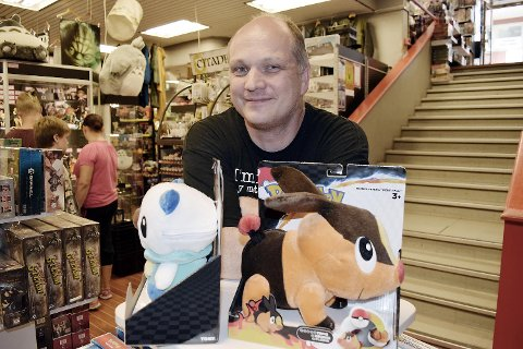 Dag Petersen, daglig leder på Outland er glad Pokémon Go er blitt så poppis.