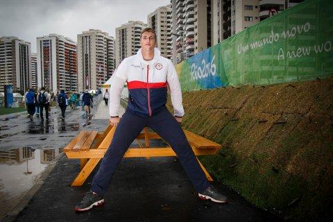 Sommer-OL i Rio 2016 Diskoskaster Sven Martin Skagestad har vært lenge i Rio de Janeiro og gleder seg til at friidretten endelig skal begynne. Her i OL-landsbyen under pressetreffet onsdag.