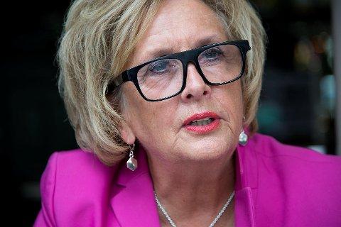 Om vel to måneder kommer boken til tidligere ordfører Trude Drevland. Den heter «Litt privat» og handler blant annet om å stå oppreist når det stormer som verst.