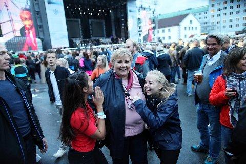 Statsminister Erna Solberg sa før konserten at hun gledet seg veldig til å høre Kygo spille.