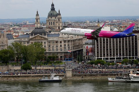 Dette bildet er tatt under et flyshow i Budabest, der Wizzair deltok.