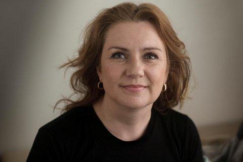 Solrun Toft Iversen har siden oktober hatt permisjon fra Den Nationale Scene og vært konstituert teatersjef for Sogn og Fjordane Teater. Denne uken ble det klart at hun overtar som teatersjef for Hordaland Teater.