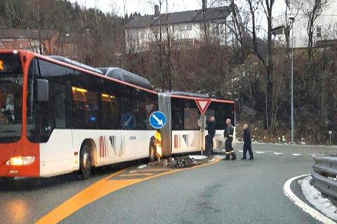 Her ble bussen stående.