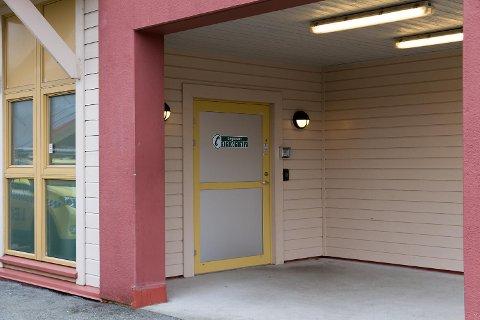 Politiet har rykket ut til Knarvik legevakt to ganger de siste uken.