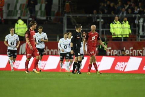 En svært kontroversiell scoring ble avgjørende for det som skjedde på Stadion.