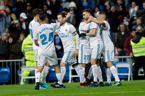 Real Madrid og Borja Mayoral jubler etter å ha utlignet til 1-1 mot Fuenlabrada, men storklubben klarte ikke å vinne mot fotballminiputten, selv om de spilte hjemme på Santiago Bernabeu. Reals tabbbekamp ga en pen sum på kontoen til en mann fra Bergen.