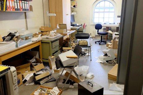 Slik så det ut på Universitetsmuseet da de ansatte kom på jobb mandag 14. august.
