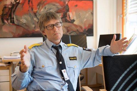Fengselsleder Harald Åsaune er bekymret for konsekvensene av kuttene.