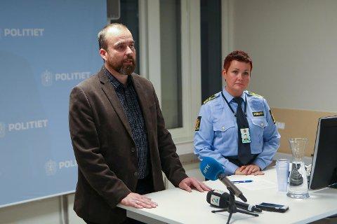 Asbjørn Engevik, avdelingsleder for avdeling for kulturhistorie ved UiB og Linn Revheim, politiadvokat i Vest politidistrikt  Pressekonferanse museumsbrekket, tre siktet