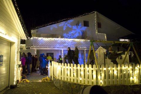 Tord Glad Nordahl har brukt hver eneste kveld de to siste ukene på å dekorere huset.